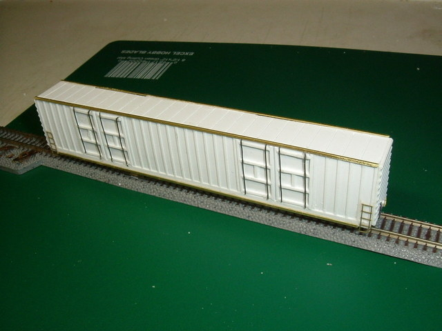 86 foot  8 door ribbed side autoparts boxcar